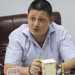 Рустем Хасанов: «Мальчик заливисто хохочет. Мать в истерике – он в первый раз засмеялся!»