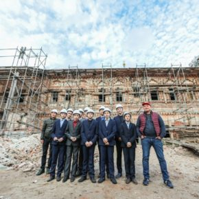 Дети из школы им. Н.А. Галлямова познакомились с профессией реставратора и строителя в «Доме Михляева» и «Доме Богородского»
