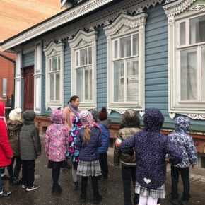 «День добрых дел» рассказал первоклассникам 177 лицея о городских меценатах и истории казанской  благотворительности