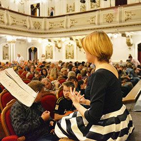 Казанский ТЮЗ и «День добрых дел» возобновляют показы спектаклей, адаптированных  для слабовидящих и слабослышащих